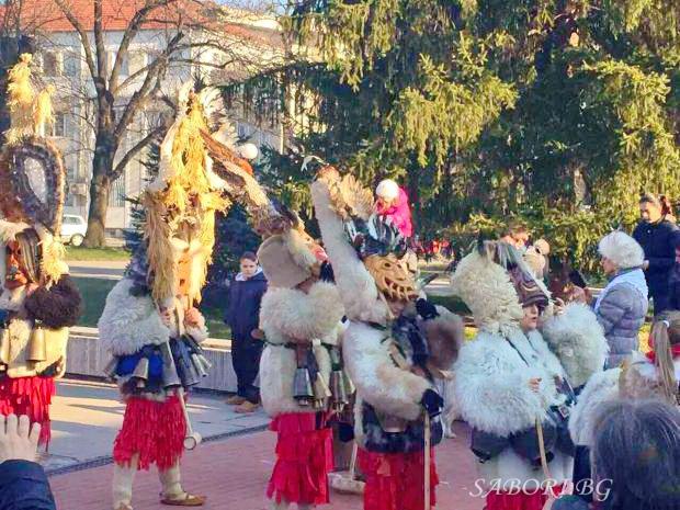 Фолклорни фестивали и събори